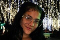 VeeBee Virtual Babysitter: Un JuegoLaura Gomez