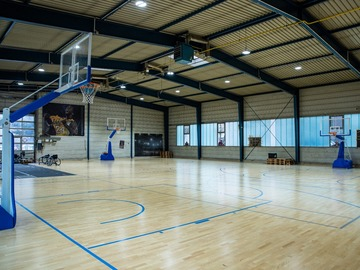 Renting out court/equipment with own price category (no calender function): MIB - 3x3 Half Court