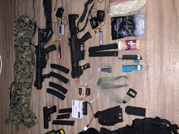 Selling: Full Airsoft equipment
