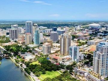 Daily Rentals: St Petersburg FL,  Quiet Neighborhood with Single Driveway
