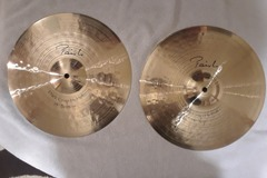 "Selling with online payment: Paiste Signature 14"" Dark Crisp Hi Hats"