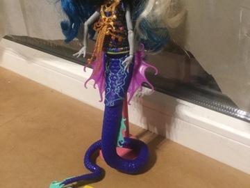 Vente avec paiement en ligne: Monster High-Peri Pearson et Serpentine