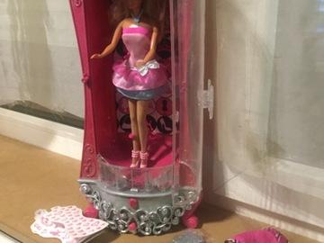 Vente avec paiement en ligne: Barbie armoire à paillettes