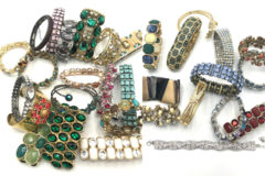 Buy Now: 60 Boutique Bracelets Great Mix & Variety- Everyone Different