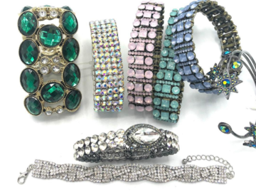 Buy Now: 40 Boutique Bracelets Great Mix & Variety- Everyone Different