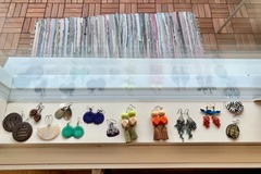 Selling: Collection of earrings