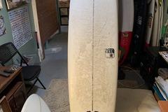 "For Rent: 7'6 VEC Surfboard ""Singlecut"""