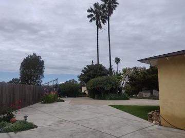 Daily Rentals: El Segundo CA, Secure Driveway