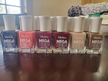 Liquidation/Wholesale Lot: Sally Hansen Nail Polish