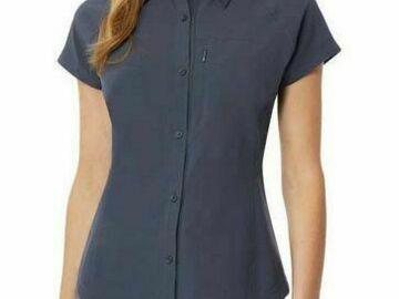 Liquidation/Wholesale Lot: Women's Clothing Lot 20 Pieces 4 Levi's Denim Vests 16 Tops