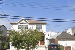 Weekly Rentals (Owner approval required): Queens NY, Parking garage and 2-3 parking garage
