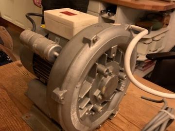 Gebruikte apparatuur: Dürr-Dental afzuigmotor 220V (droog)
