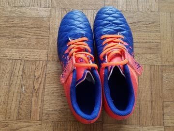 Vente: Chaussure foot (kipsta-5€) & Protège tibia (Adidas-5€)