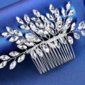 Ilmoitus: Uusi hiuskoru / hiuskampa kimaltavilla koristeilla