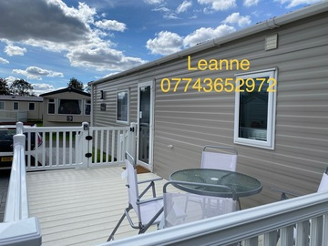 Offline Bookings: Flamingo Land: Luxury 3 bedroom Caravan with decking/ safety gate