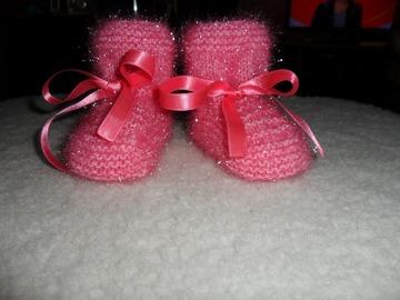 Vente au détail: chaussons bébé tricoter main 0/3 mois rose