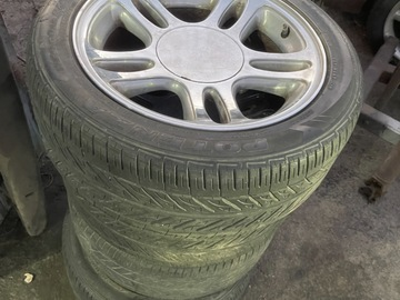 Selling without online payment: 98 mustang wheels and tires