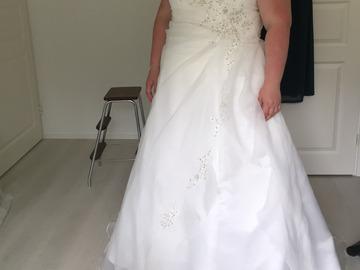 Ilmoitus: Zazabella Dazzling-malliston mekko koko 52!