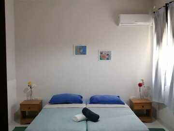 Rooms for rent: Private Room in a Shared Family Apartment