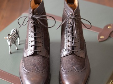 Selling with online payment: CARLOS SANTOS boots