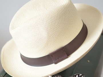Selling with online payment: BERLUTI panama hat