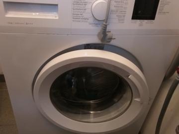 À vendre: Machine à laver Beko à réparer