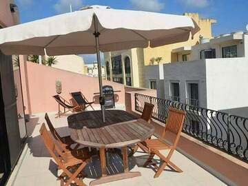 Rooms for rent: Large roomwith private bathroom in Spinola