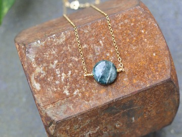 Selling: Apatite necklace