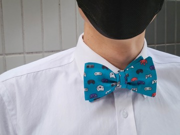 : Handmade bow tie - Video game controllers on blue