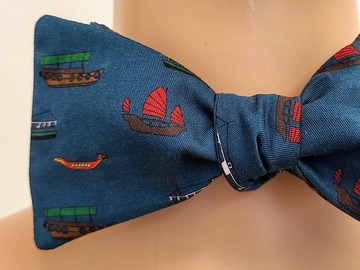 : Handmade bow tie - Hong Kong boats on blue