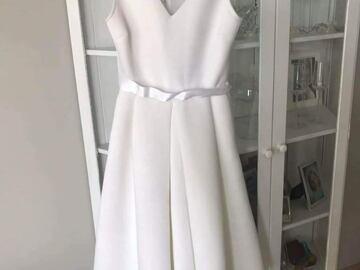 Ilmoitus: Lyhyt (kakkos-)mekko, koko 36