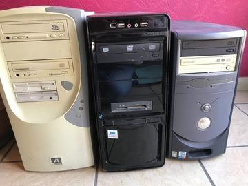 À vendre: Trois tours ordinateurs.