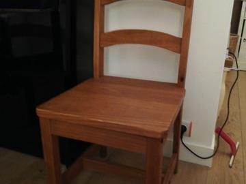 Vente: 4 chaises en bois