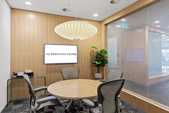 Meeting Room - bookable per hour: 4 Person Meeting Room in Sydney CBD