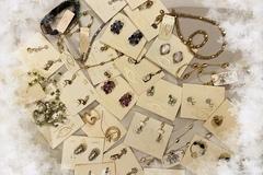 "Liquidation/Wholesale Lot: ""Oscar de la Renta"" Vintage New Earrings *** Read Description"