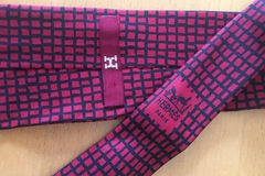 Online payment: Hermès red & black tie with ancient logo