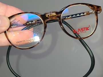Selling with online payment: SLASTIK Foldable Reading glasses...SOHO frame