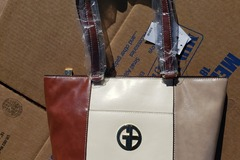 Liquidation/Wholesale Lot: Designer Hand Bags Super Saver!!!