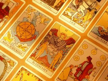 Selling: Mystical Gypsy Tarot Card Reading