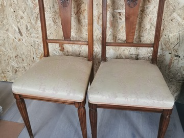 Selling: 2 chaises anciennes bois