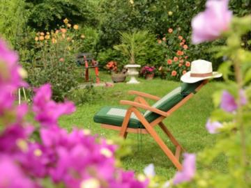 NOS JARDINS A LOUER: Petit jardin barbecue