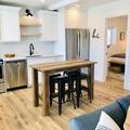 Hourly Rental: Trendy Home