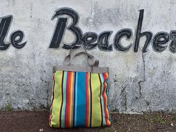 : sac de plage couleur bonbon