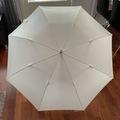 Ilmoitus: Pyöreä hääsateenvarjo