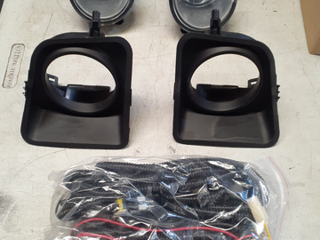 Selling with online payment: 14-19 Toyota Tundra Fog Lights