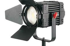 Vermieten: 100w Fresnel Focusable Bi-Color LED + Softbox + Stativ