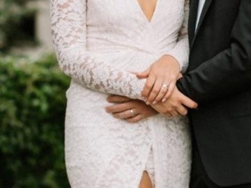 Ilmoitus: Myydään Katri Niskasen Florence gown -hääpuku