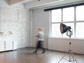 Looking for workspace: Cozy photo studio