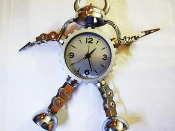 Troc: Troc  mon Horloge fantaisie de bureau