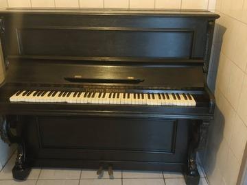 À vendre: Piano de décoration ou a réparer